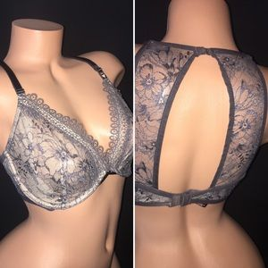 NEW Victoria's Secret Very Sexy Unlined Plunge Bra
